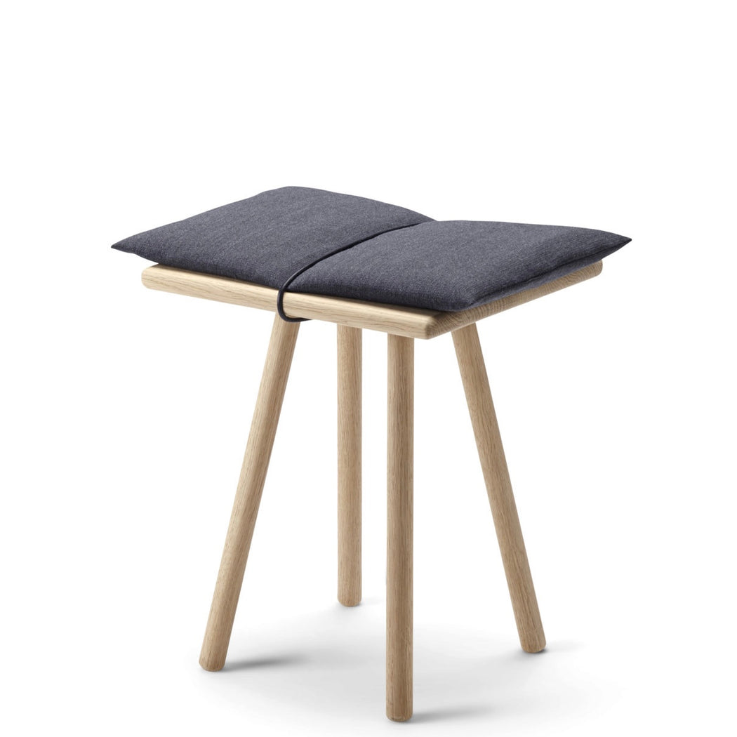 Georg stool solid oak - Tea and Kate