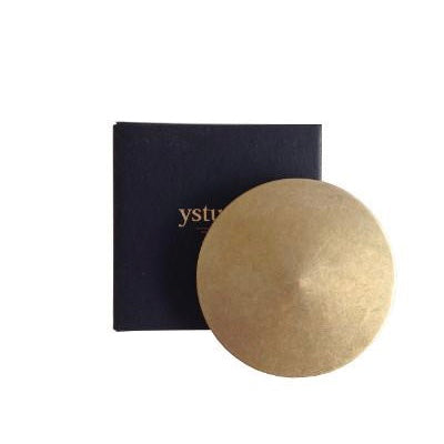 YStudio paperweight brass - Tea and Kate