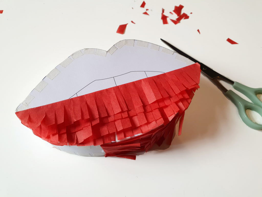 London Craft Club free Lips pinata download by Utensils0 for National Kissing Day