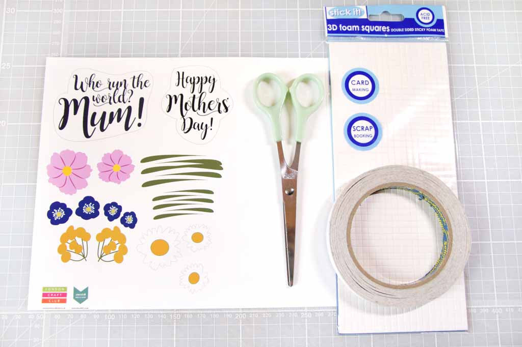 Hannah from Utensils0 has designed this gorgeous free printable Mother's Day card for you to download.