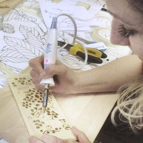 Pyrography : Create a Wooden Christmas Garland