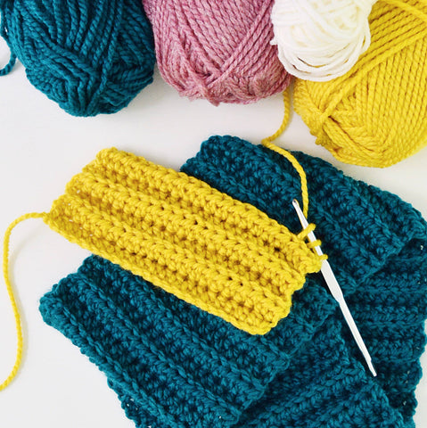 Anyone Can Crochet: A Scarf or Snood