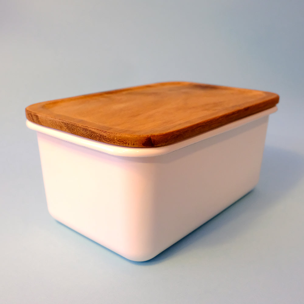 Enamel lunch box with wooden lid