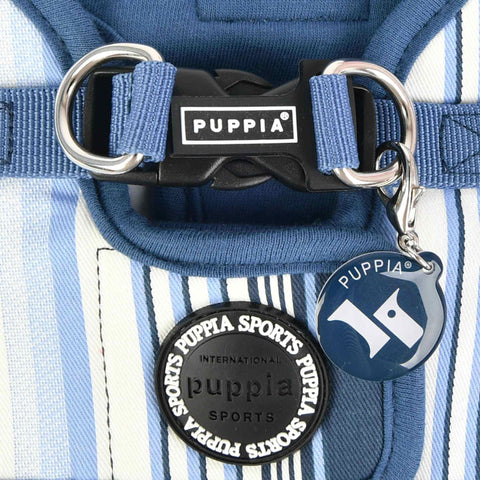 Puppia Caiden Step-in Dog Harness - Close-up of buckle