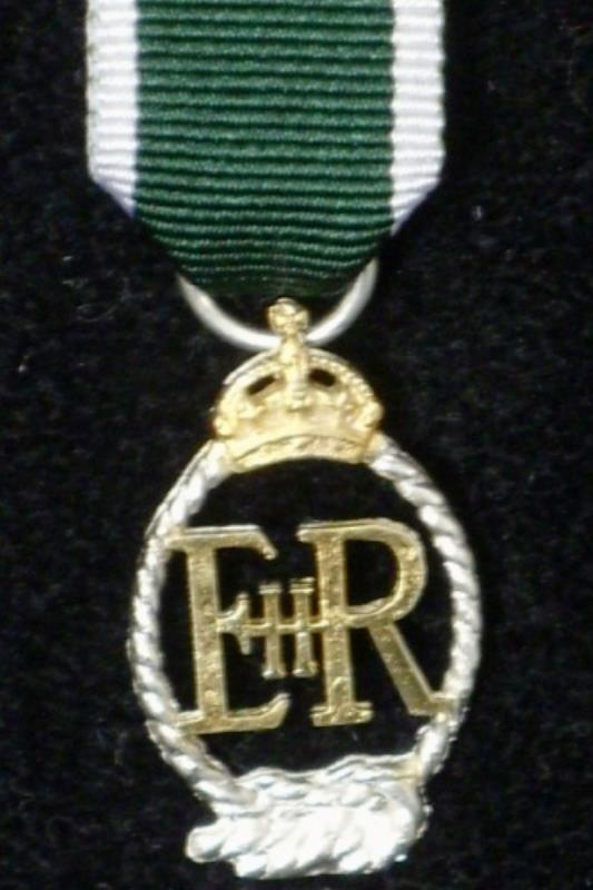 Royal Naval Reserve Decoration EIIR - Miniature