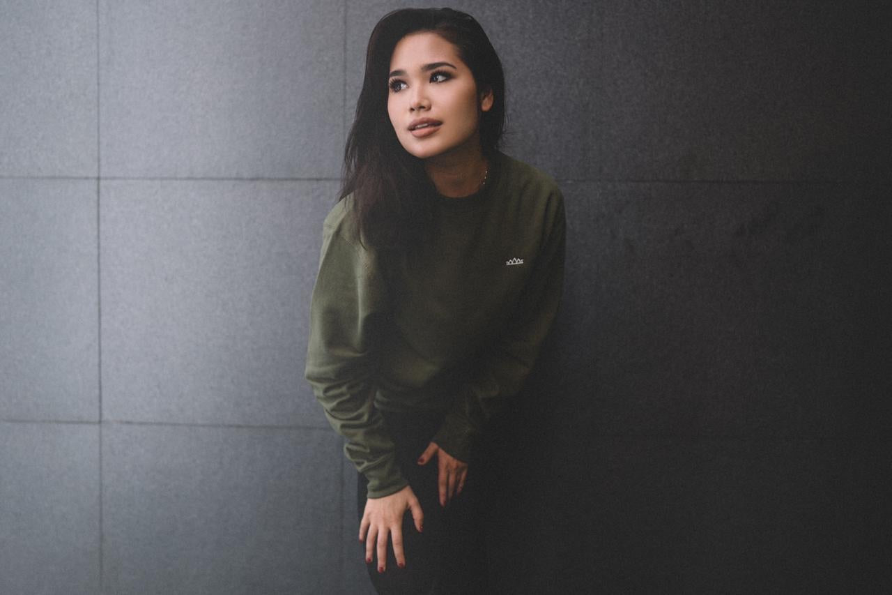 Premium Issue L/S Tee in Army Green