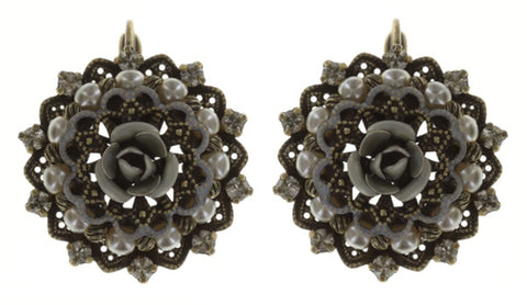 earring eurowire Petit Four Dentelle white antique brass small