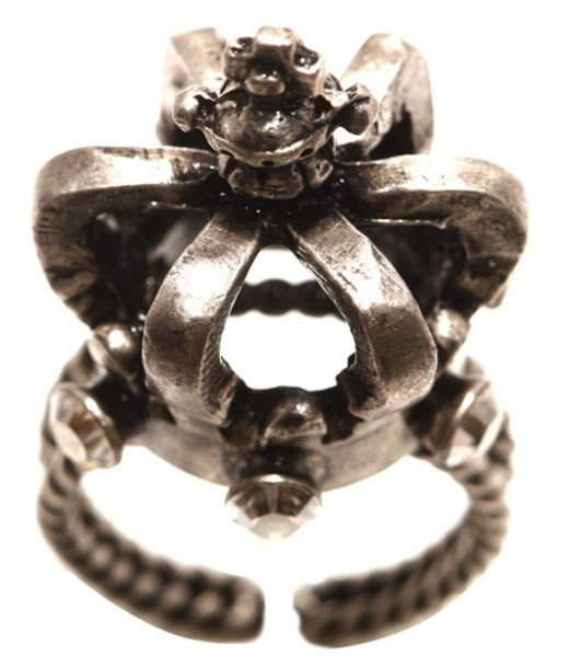 ring Rough Kingdom white antique silver