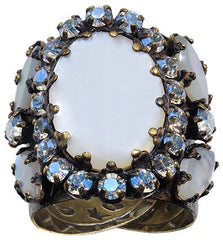 ring Dangerous Liaisons white antique brass