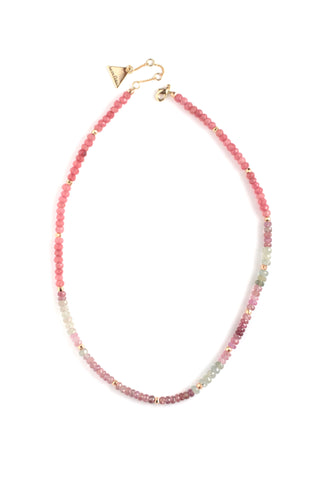 Short beaded necklace - Pink