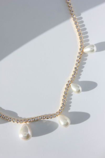 Teardrop Pearl Sparkly Chain Necklace