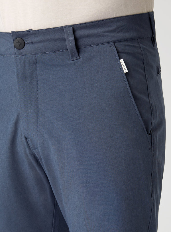 Beacon Hybrid Short Navy