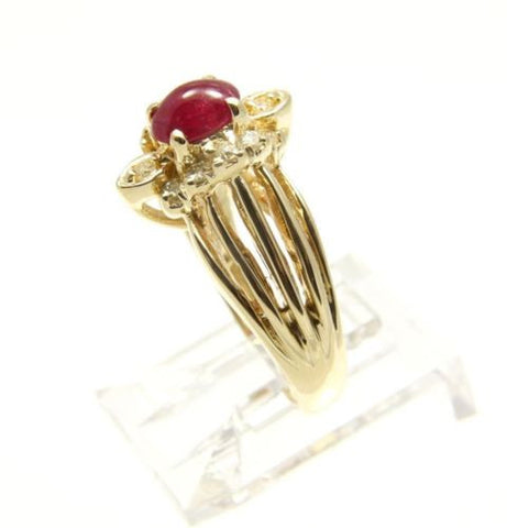 0.23CT GENIUNE CABOCHON RUBY & DIAMOND RING SET IN HEAVY SOLID 18K YELLOW GOLD