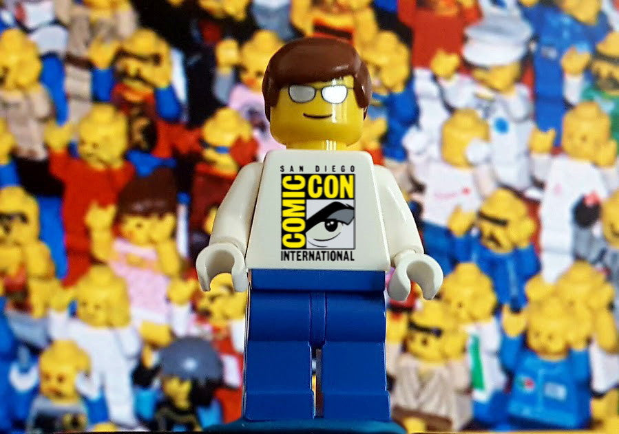San Diego Comic Con SDCC Lego Minifigure Rare Promo Cool Shirt Fan Man