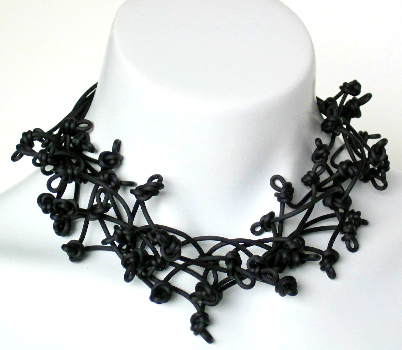 scrunched necklace