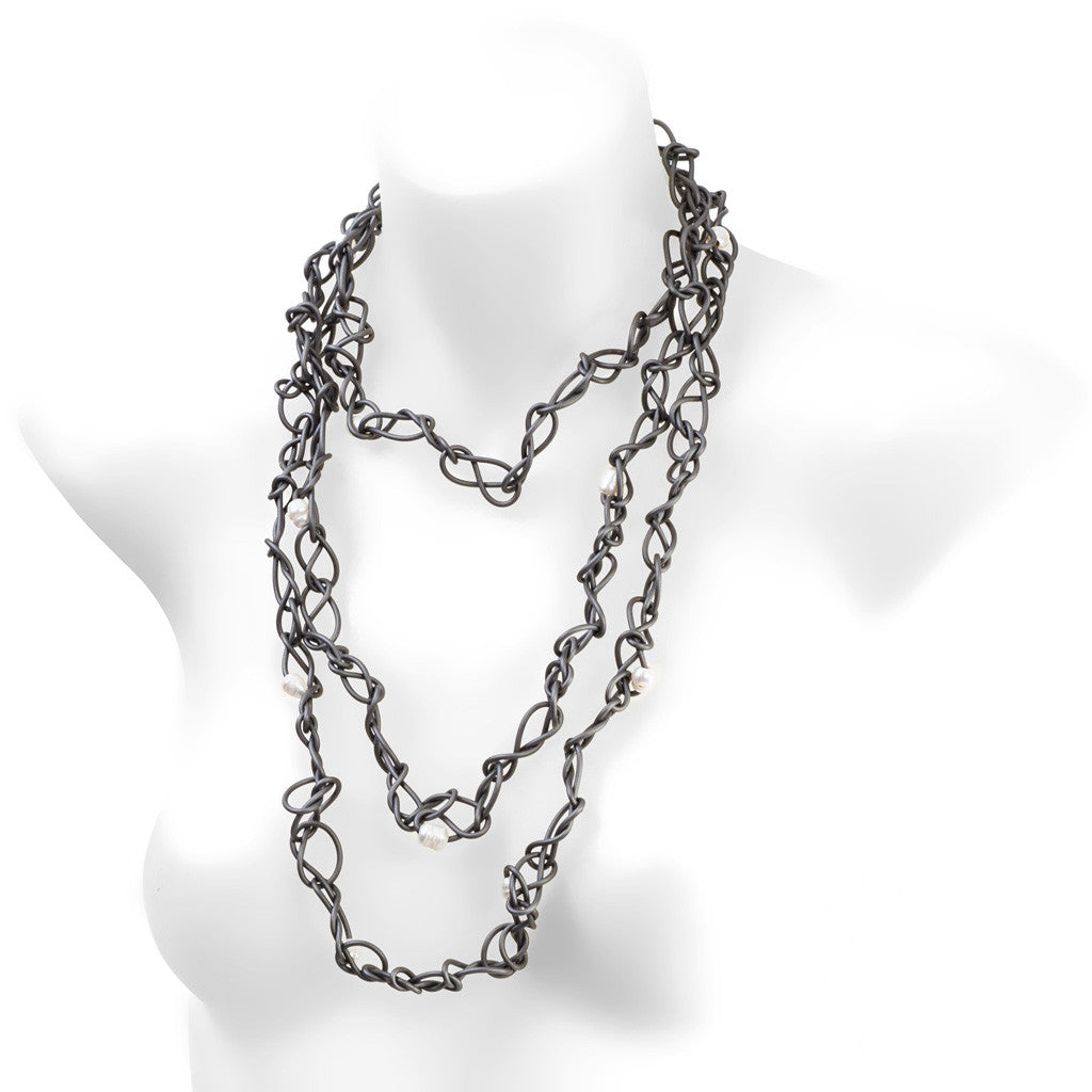 chaotic necklace with pearls - grey