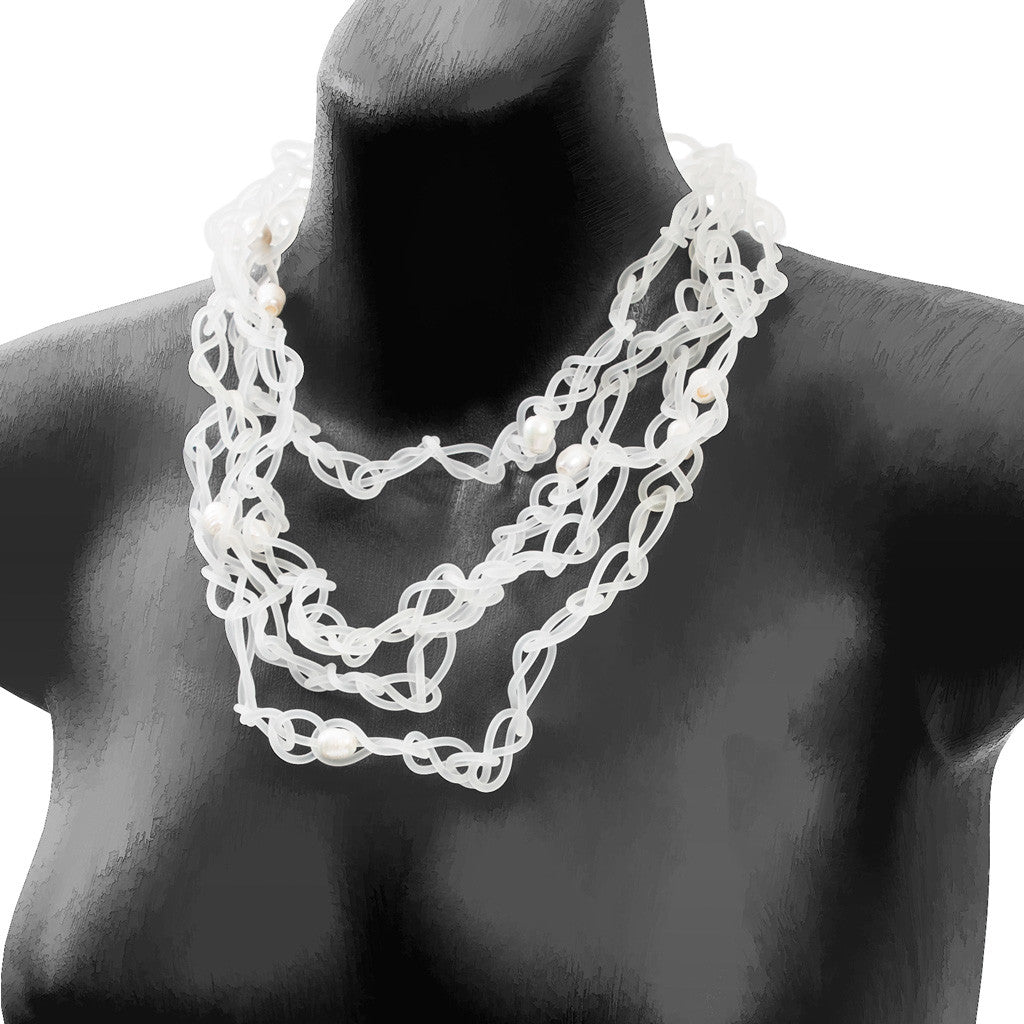 chaotic necklace with pearls - transluscent