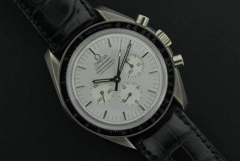 Omega 1985 Speedmaster chronograph white gold watch