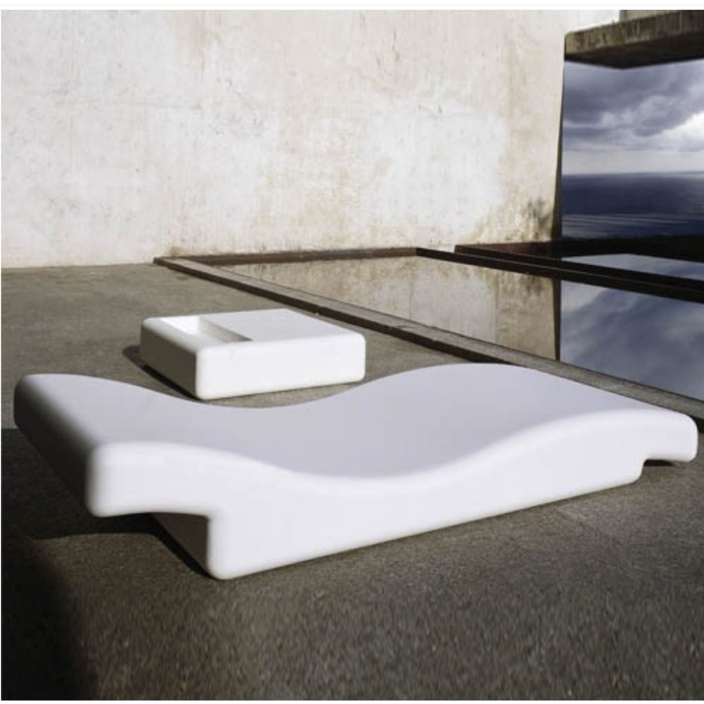 TR12002 Pearl Water Lounger