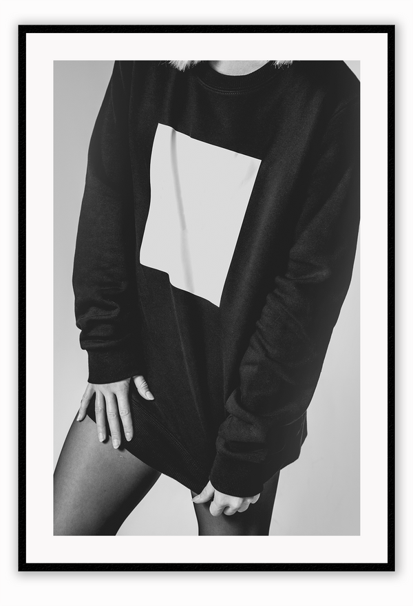 Black And White Fashion Cloth Jumper Leggings Lady Sexy Woman Print Wall Print Framed Art Poster Image Online Photo Painting