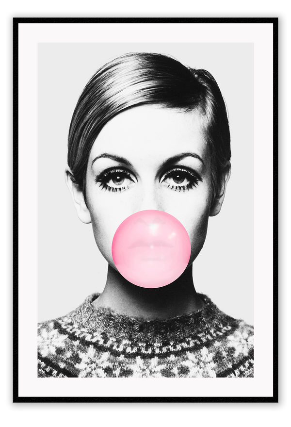 Fashion Photography 60S 70S Female Model Twiggy Big Eyes Long Lashes Pink Bubble Gum Print Wall Print Framed Art Poster Image
