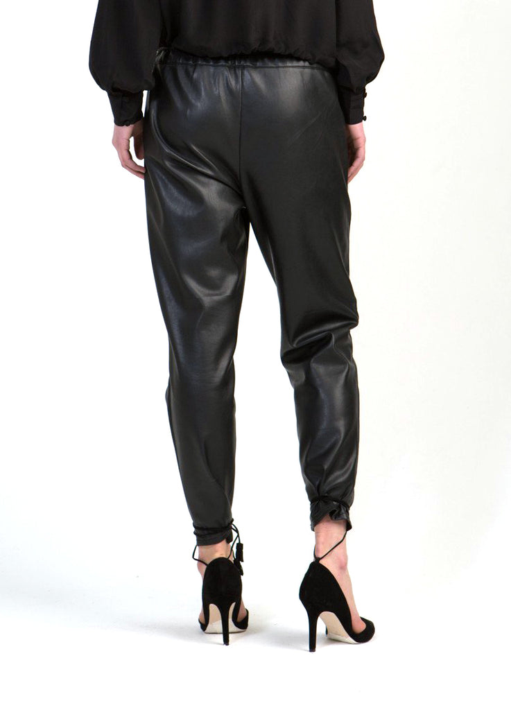 Leather Pants in Black