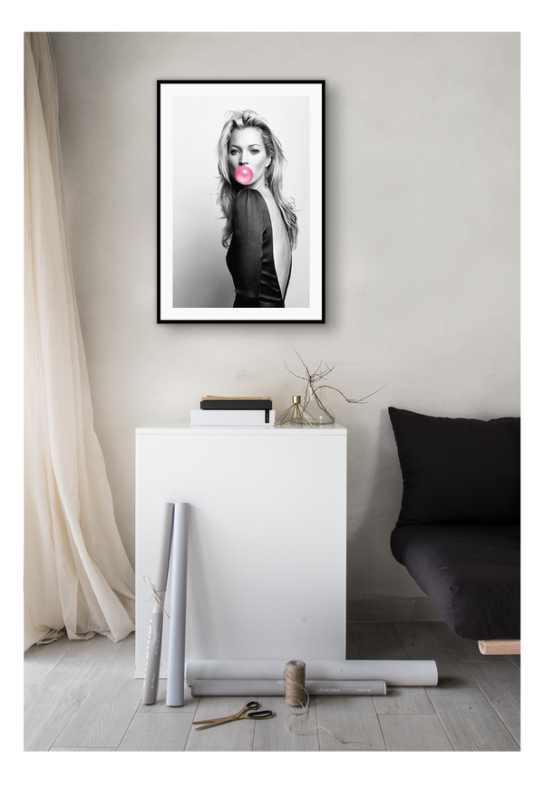 Kate Moss Pink Bubble Gum Model Icon Portait Fashion Print Wall Print Framed Art Poster Image Online Photo Painting Living