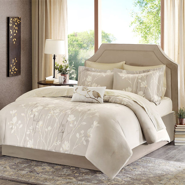 Madison Park Essentials Vaughn Comforter Bed and Sheet Set
