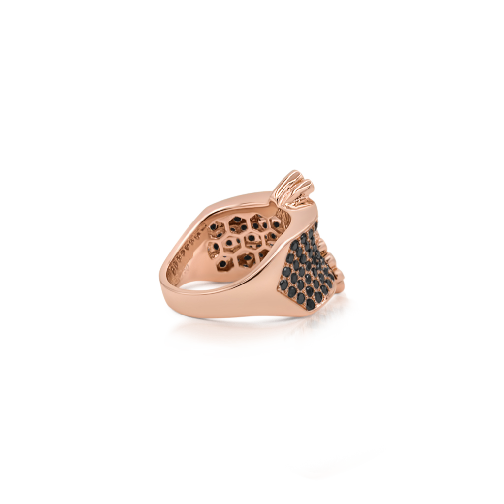 Saddle Mini Ring with Black and White Diamonds -  Pinner