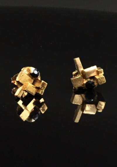 Noemi Klein, Asteroid earrings [gold vermeil, black spinel]