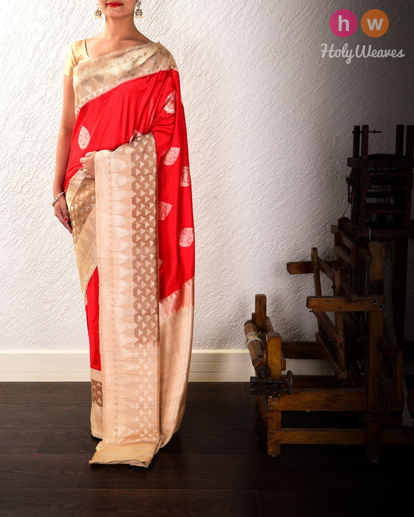 Red Banarasi Kadhuan Brocade Handwoven Katan Silk Saree with Tasar Kadiyal Border Pallu - HolyWeaves