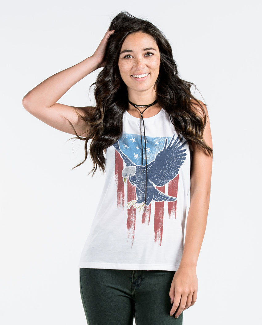 VINTAGE EAGLE FLAG Womens White Muscle Tank