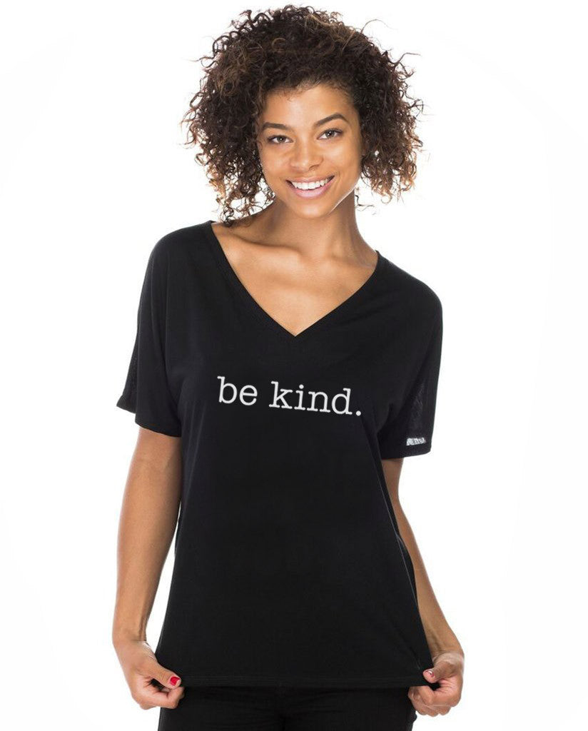 BE KIND Womens Flowy V-Neck
