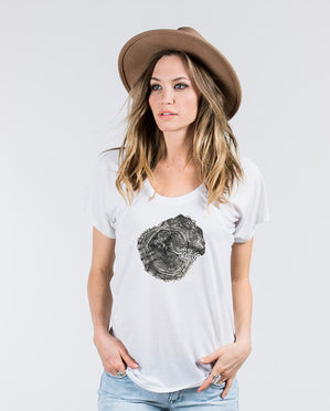 OLD SOUL Womens White Flowy Raglan