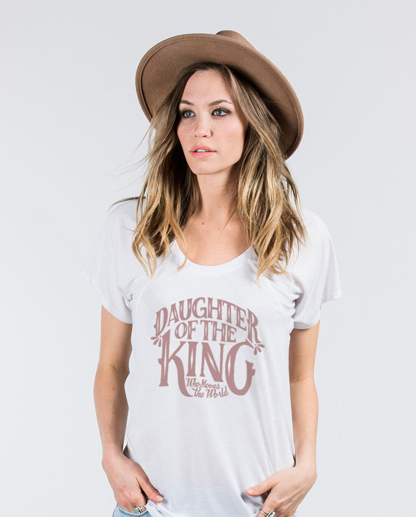 4caeef93dde2b DAUGHTER OF THE KING Womens White Flowy Raglan