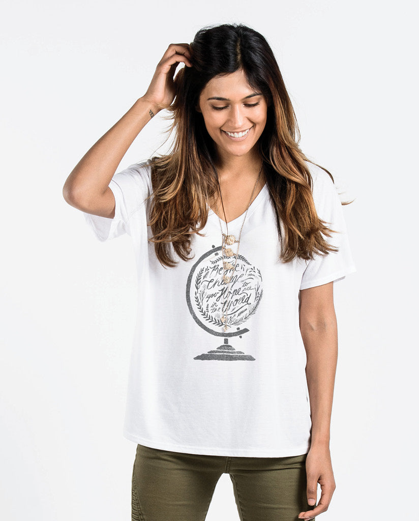 BE THE CHANGE Womens White Flowy V-Neck