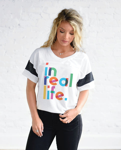 IN REAL LIFE Womens White Jersey Tee by Tech Wellness