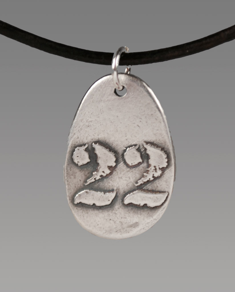 Aquilla 22 Oval Sterling Silver Totem