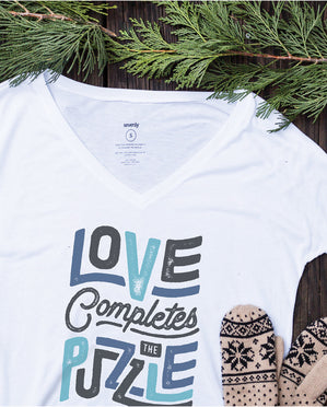 LOVE COMPLETES THE PUZZLE Womens White Flowy V-Neck
