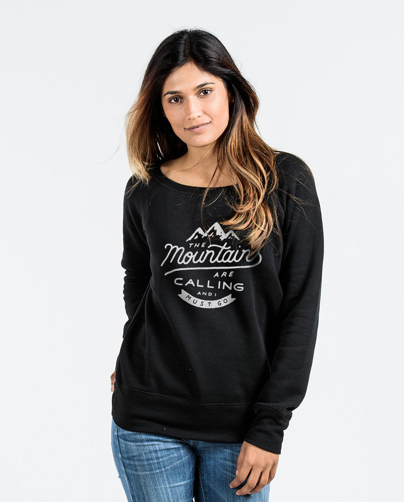 The Mountains Are Calling Womens Black Slouchy Sweatshirt