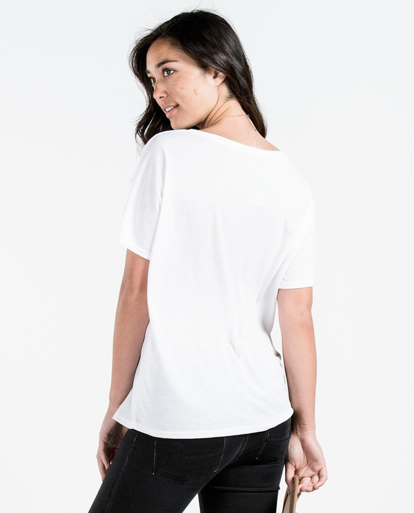 T-shirt - Be Brave Flowy V Neck