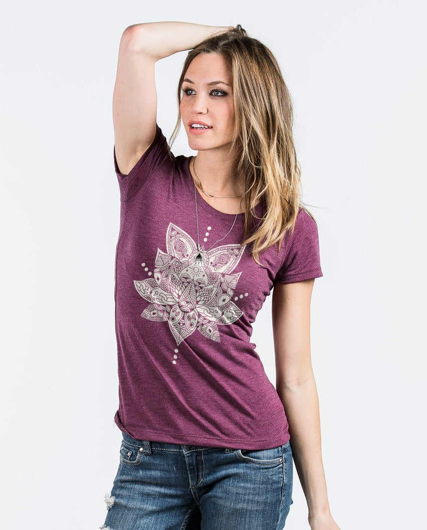 T-shirt - Lotus Triblend Short Sleeve Tee