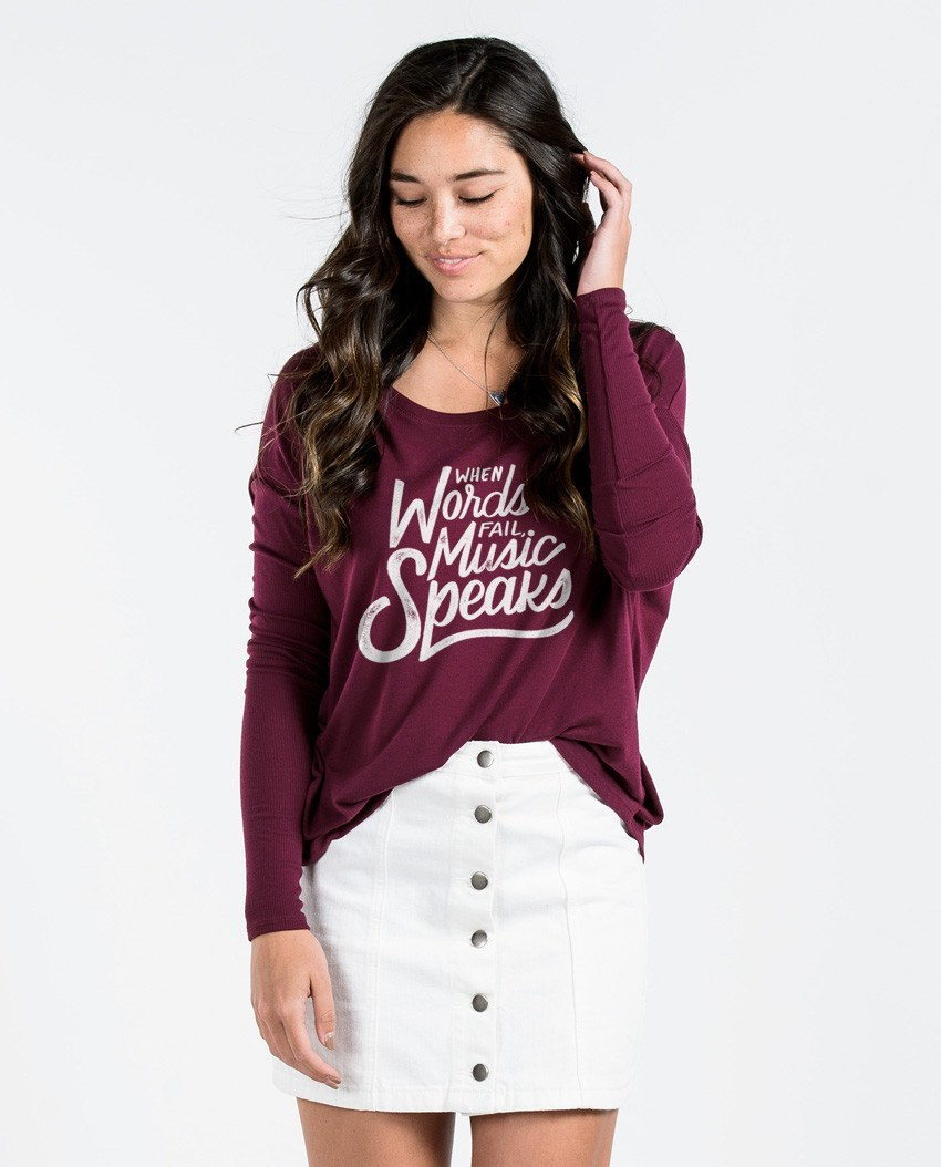 T-shirt - Music Speaks Flowy Long Sleeve Tee