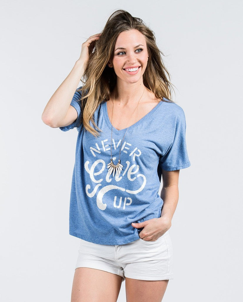 T-shirt - Never Give Up Flowy V Neck