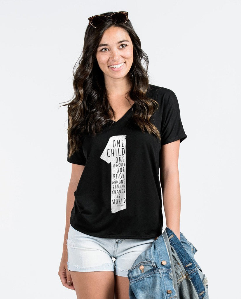 T-shirt - One Child Flowy V Neck