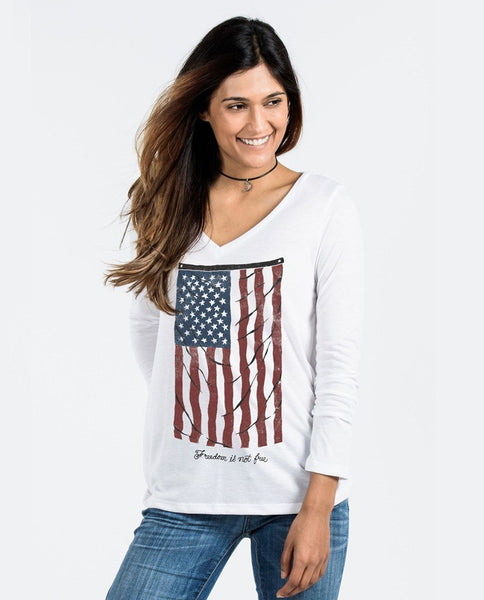 T-shirt - Vintage Flag Flowy Long Sleeve V-Neck