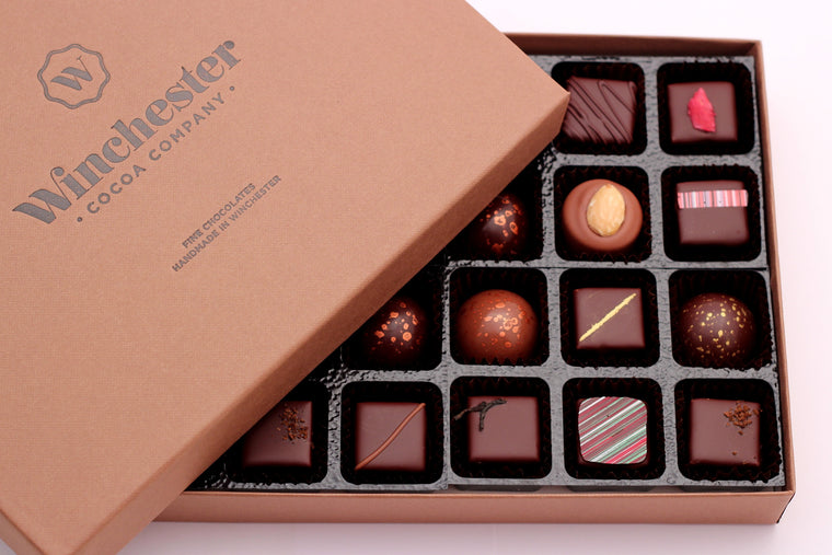 Mixed chocolate selection box (summer collection)