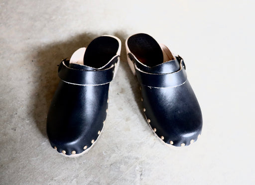 Bosabo Classic Wooden Clogs in Black Leather