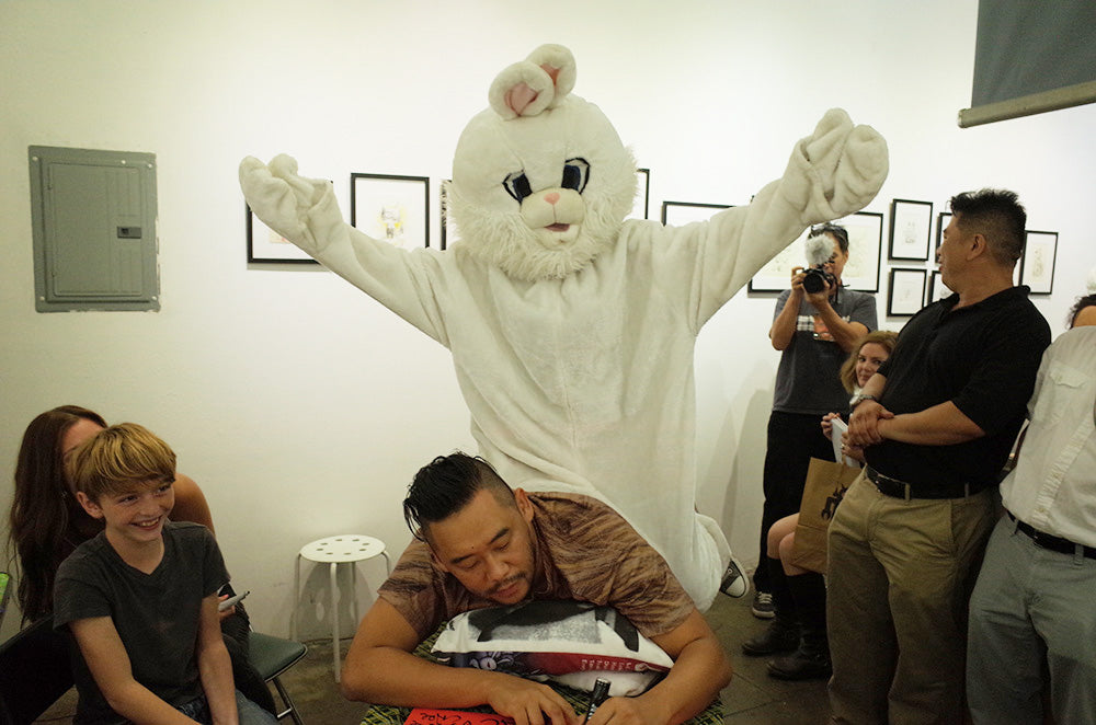 GR2: David Choe - Snowman Monkey BBQ Signing Time Lapse and Photo Set