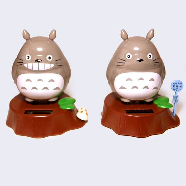 Totoro Solar-Powered Figure (Assorted Light Gray)
